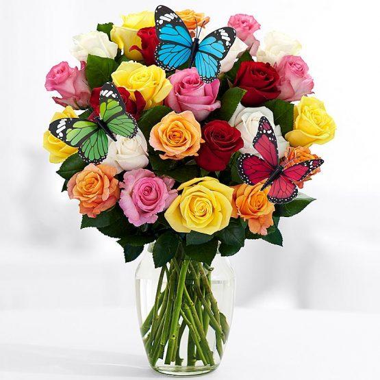Бабочки и 25 Красочных Роз