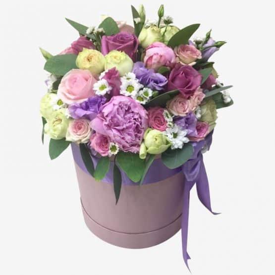 Шляпная коробочка с цветами